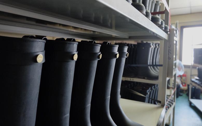北海道の老舗がつくる、新しい長靴(前編)
