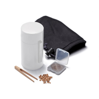 KODUTU WHITE battery-operated portable wood chip heater